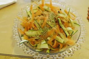 Sárgarépa-cukkini saláta